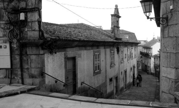 Biblioteca baiona_estado actual_vista desde la calle